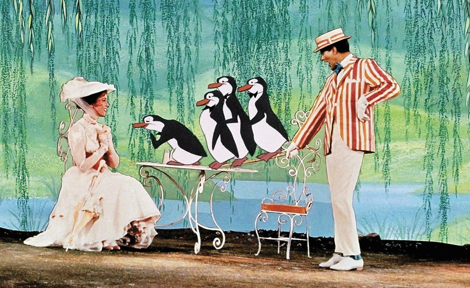 Mary-Poppins-Suite-1