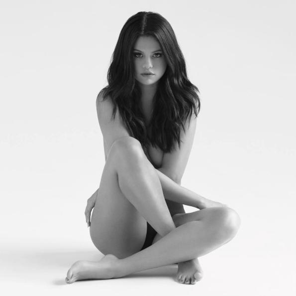 Selena-Gomez-Nue-Revival-1