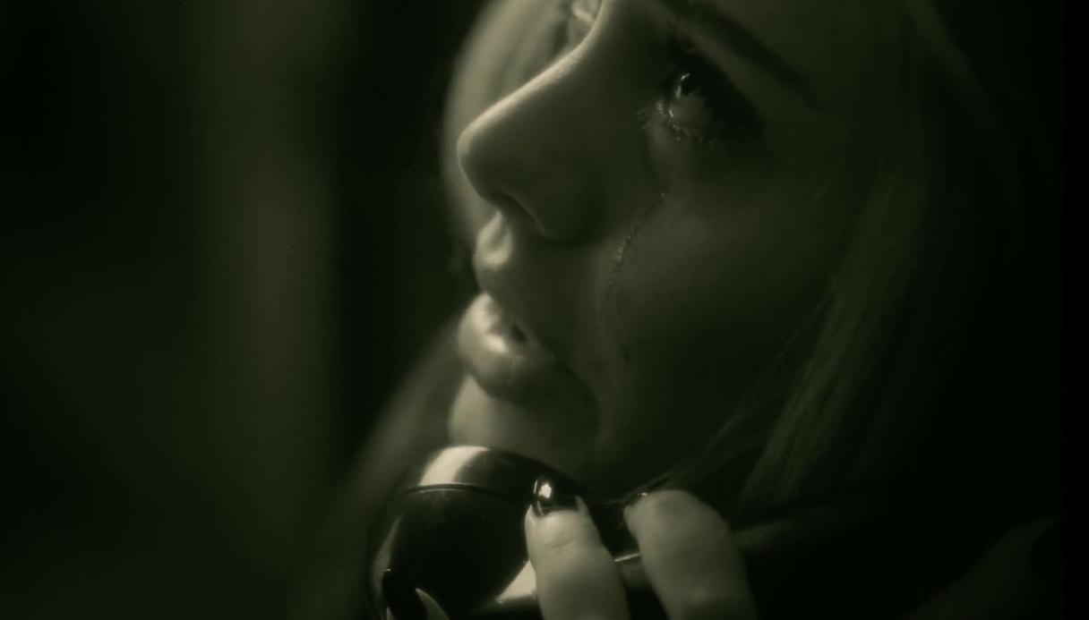 Adele-Hello-MV-2