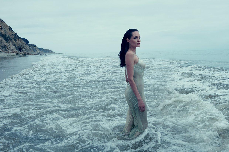 Angelina-Jolie-Famille-1
