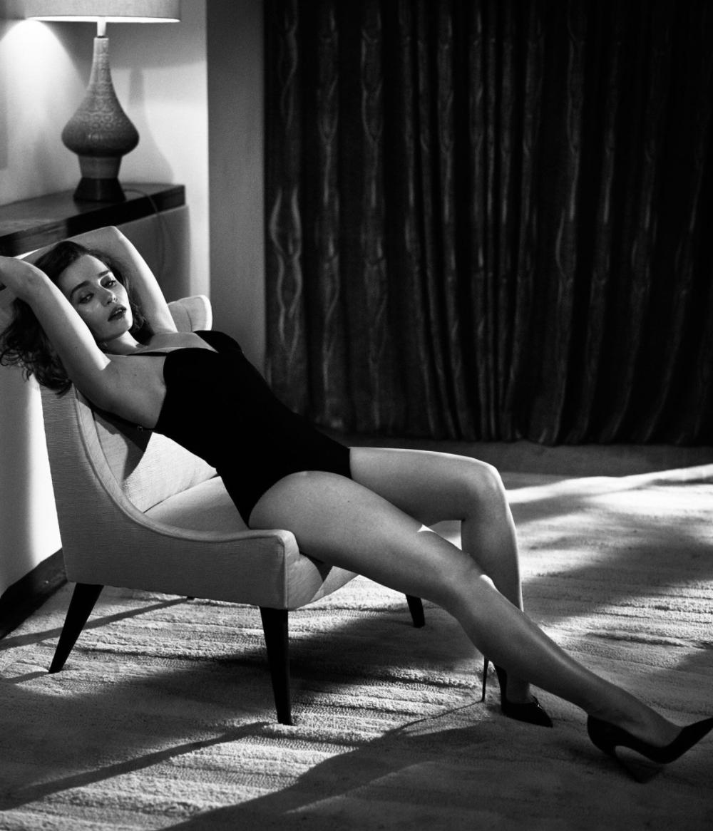 Emilia-Clarke-Topless-Esquire-3