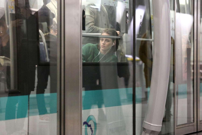 Kristen-Stewart-Ligne-14-Paris-1