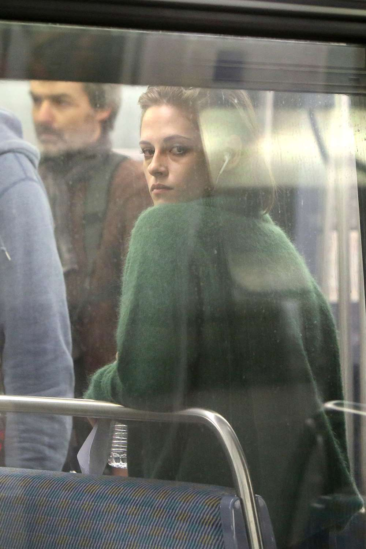 Kristen-Stewart-Ligne-14-Paris-4-Bis