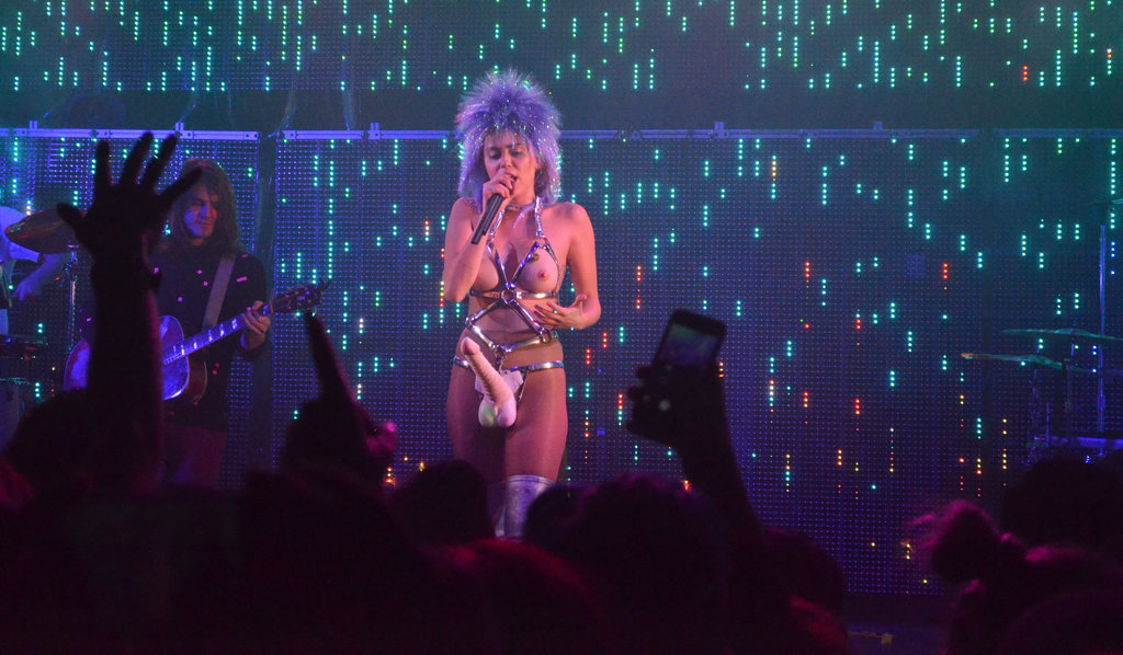 Miley-Cyrus-Gode-Ceinture-1