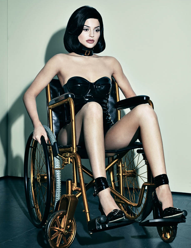 Kylie-Jenner-Fauteuil-Roulant-Interview-1