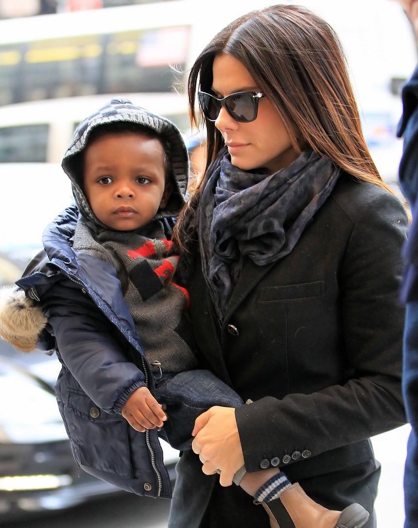 Sandra Bullock and Louis Bardo go shopping in NYC