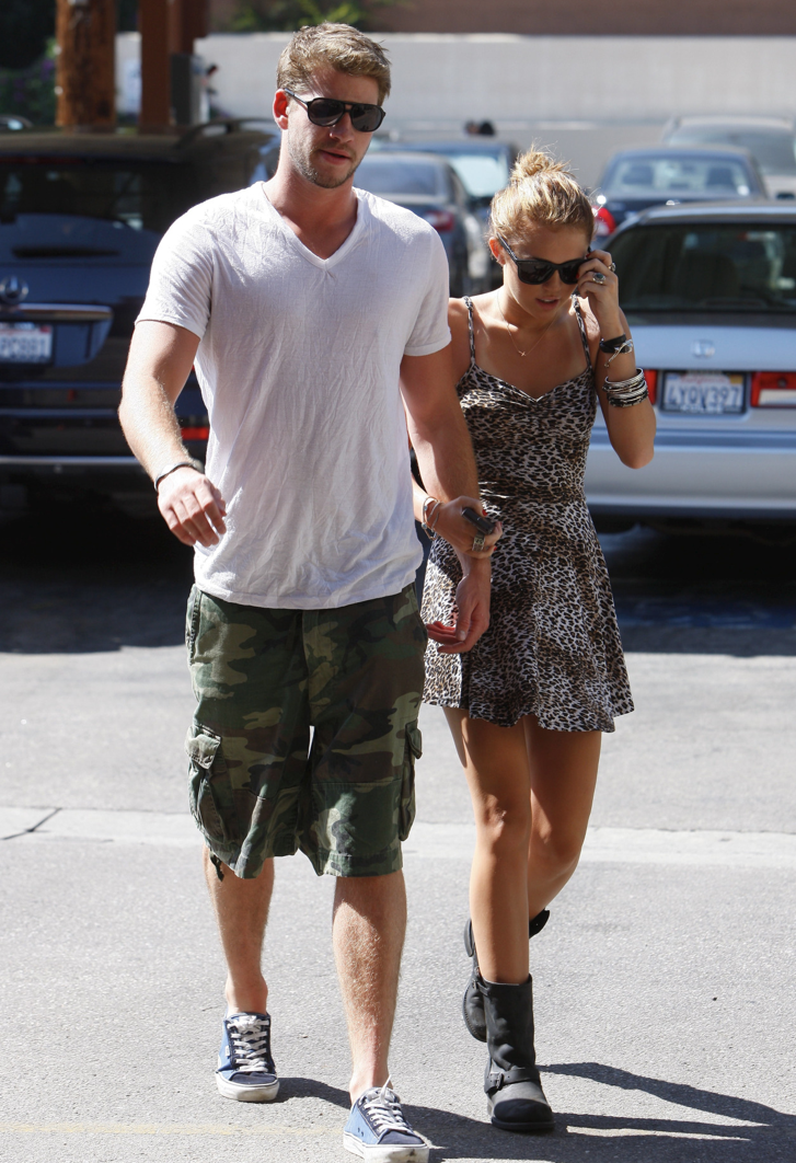 Miley-Cyrus-Liam-Hemsworth-Couple-Fiancailles-5
