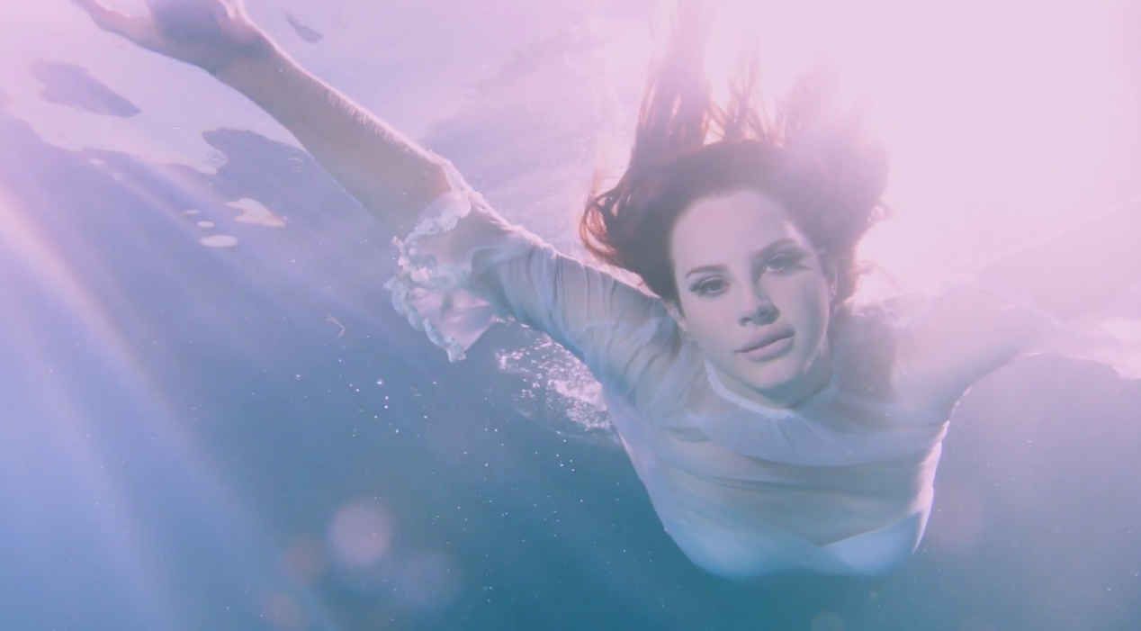Lana-Del-Rey-Freak-MV-3
