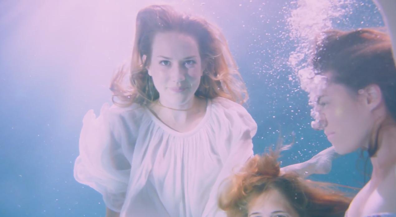 Lana-Del-Rey-Freak-MV-4