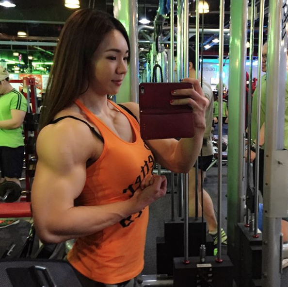 Yeon-Woo-Jhi-Bodybuilding-Coreenne-10