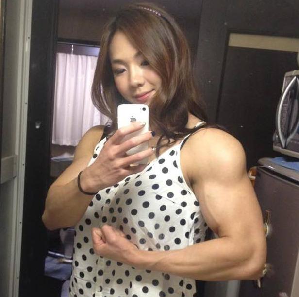 Yeon-Woo-Jhi-Bodybuilding-Coreenne-8