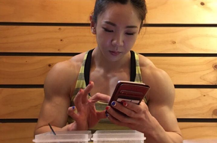 Yeon-Woo-Jhi-Bodybuilding-Coreenne-9