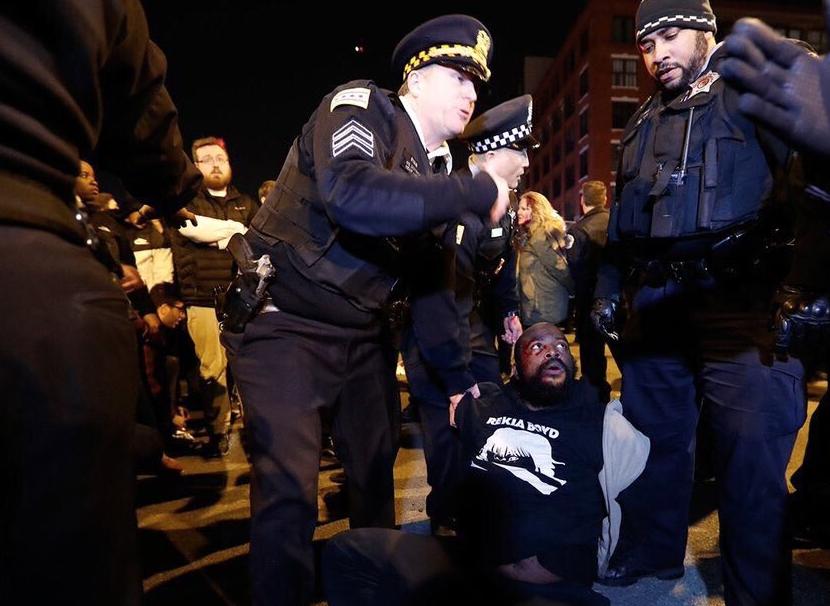 Chicago-Meeting-Trump-Violences-4
