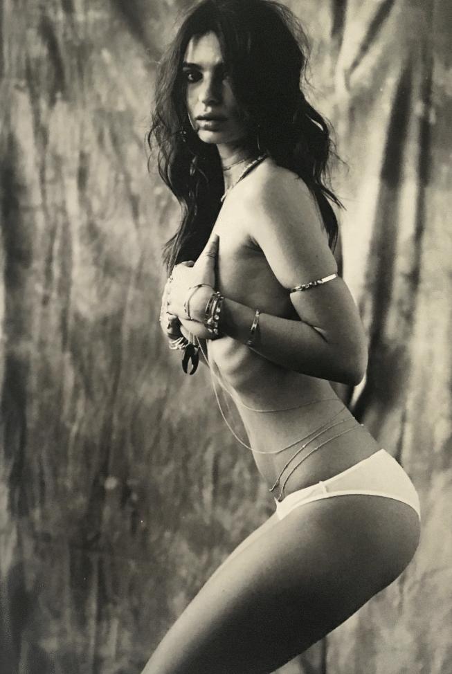 Emily-Ratajkowski-Kim-Boobs-10