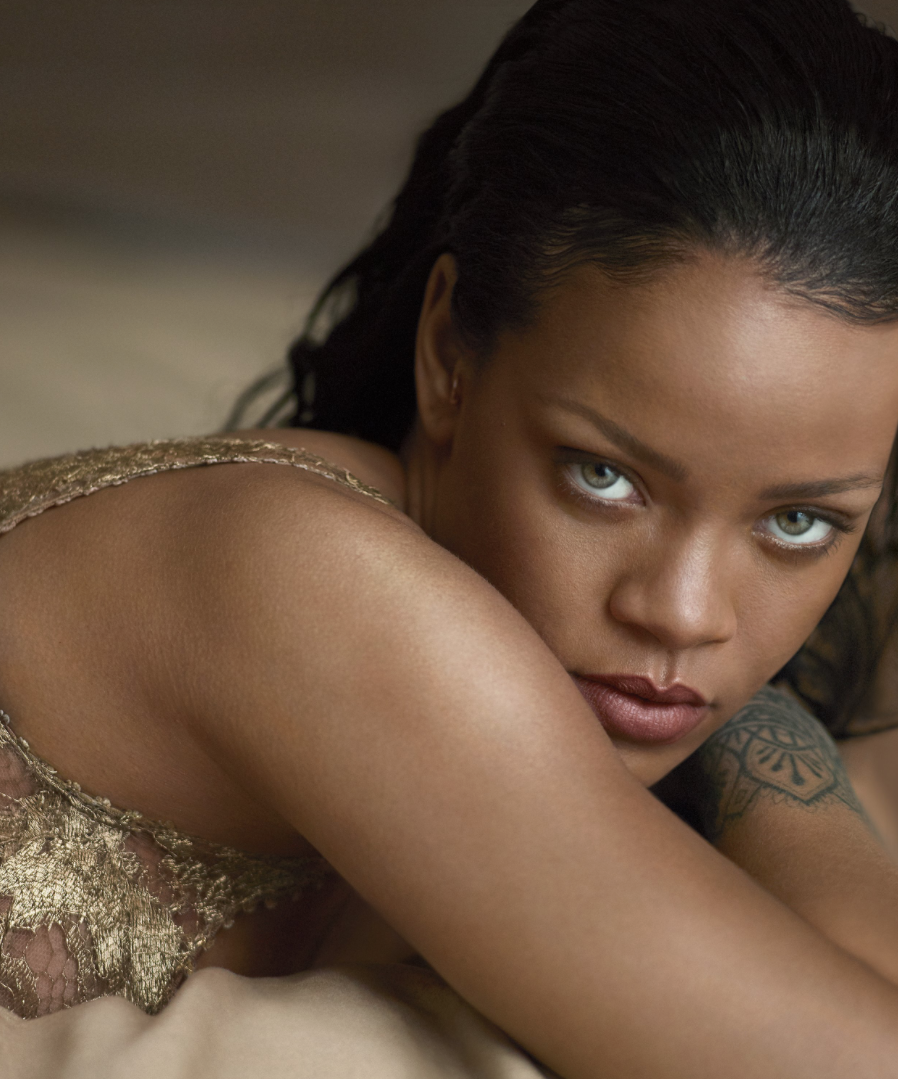 Rihanna-Vogue-1