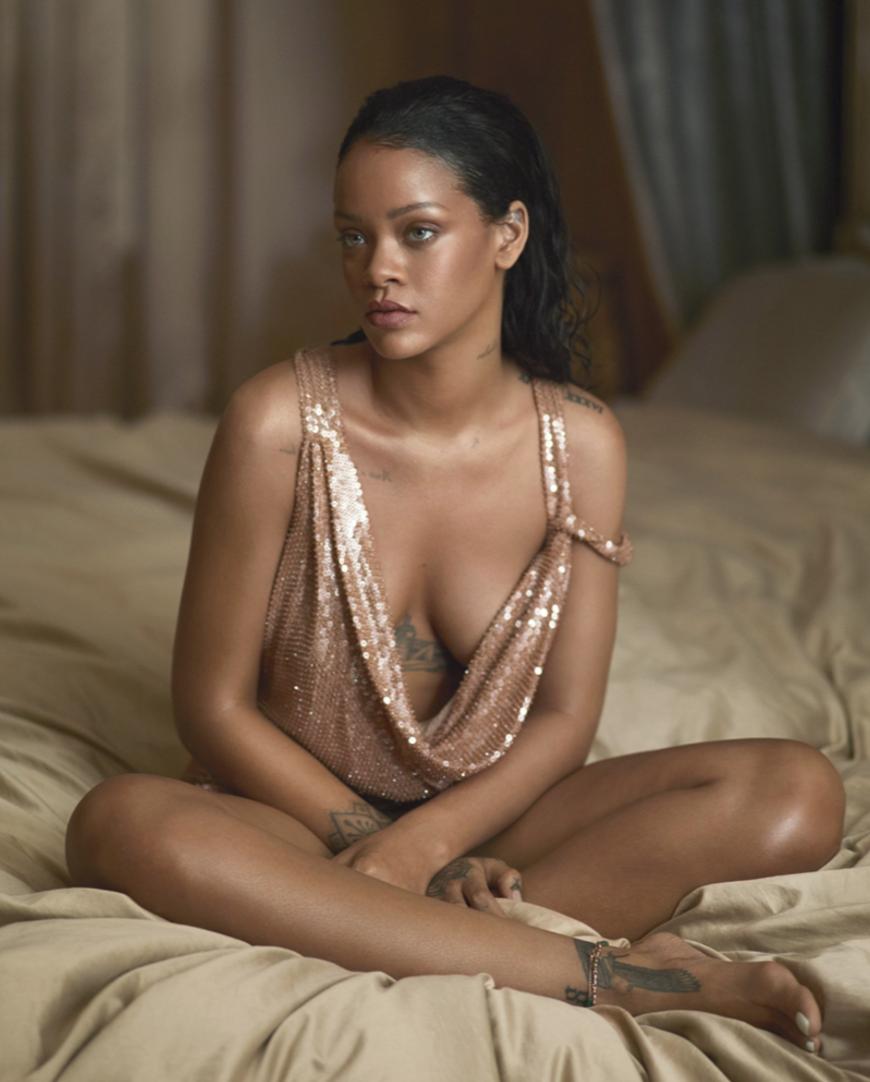 Rihanna-Vogue-2