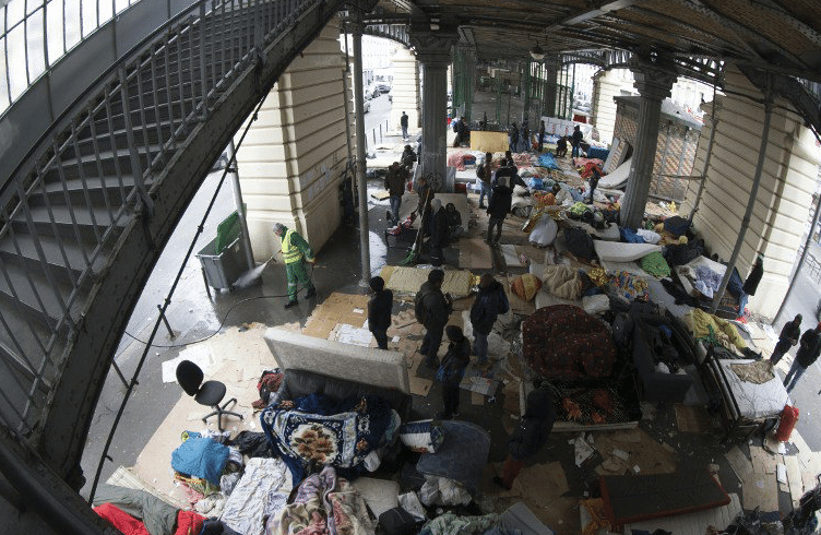Stalingrad-Evacuation-Camp-Migrants-2