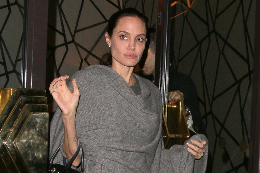 Angelina-Jolie-Anorexie-1