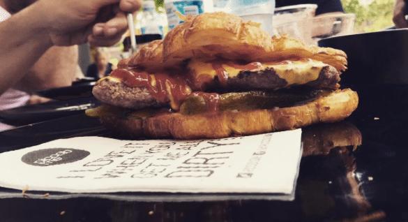 Croissant-Burger-4