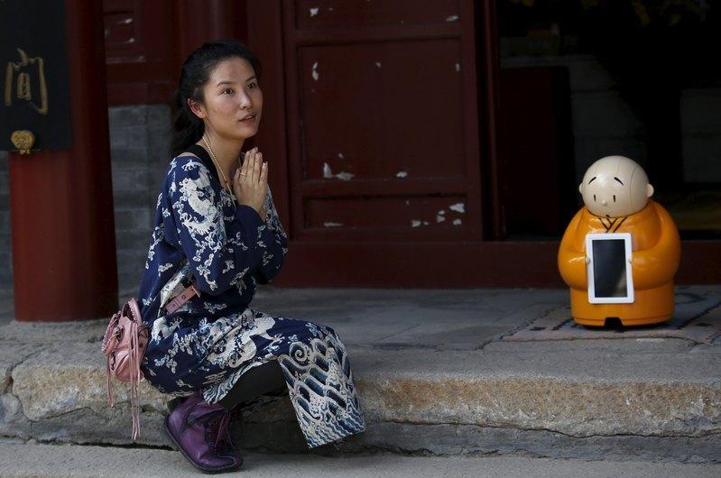Xianer-Robot-Bouddhiste-2