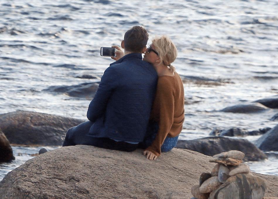 Taylor-Swift-Tom-Hiddleston-Couple-5