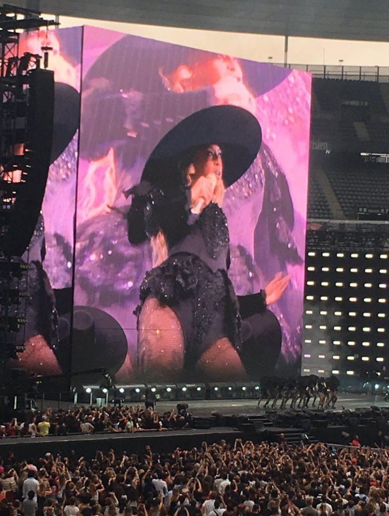 Beyonce-Paris-2016-1