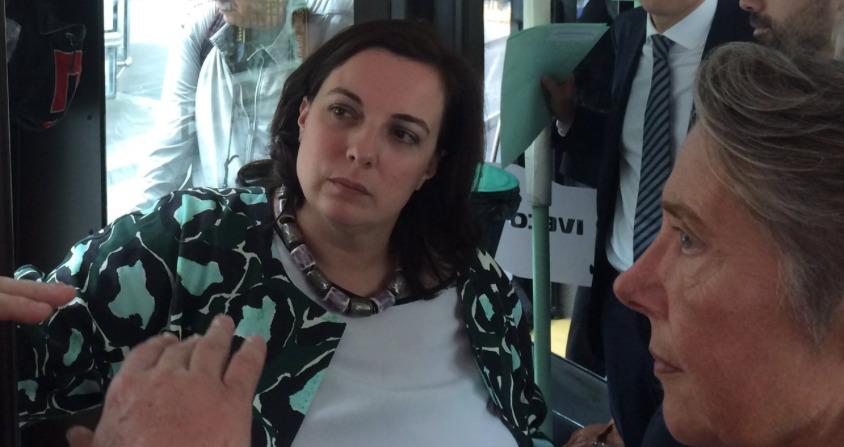 Emmanuelle-Cosse-Hebergement-Prive-Refugies-1
