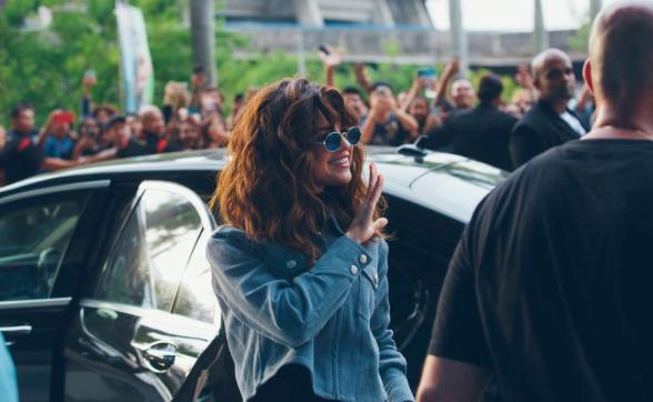 Selena-Annulation-Concert-Paris-1
