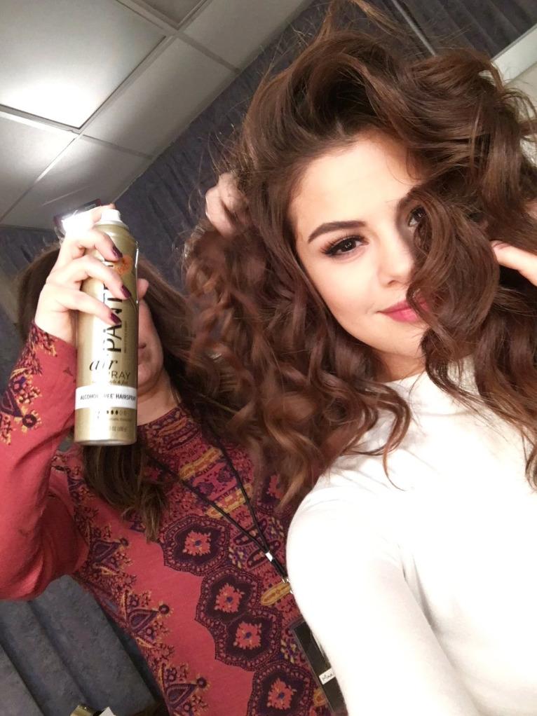 Selena-Ending-Justin-Party-3