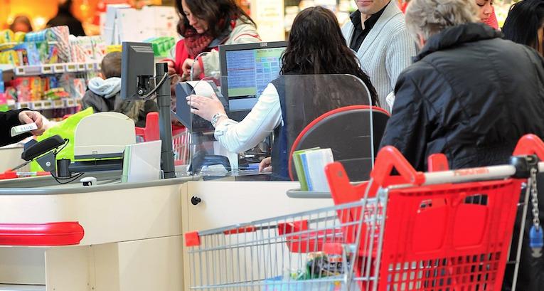 Auchan de tourcoing une caissi re sanctionn e pour avoir - Progesterone pour eviter fausse couche ...